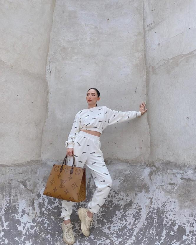 Hoài Linh kêu gọi được hơn 6 tỷ đồng cho bà con miền Trung; Tóc Tiên xuống phố cực ngầu - ảnh 11