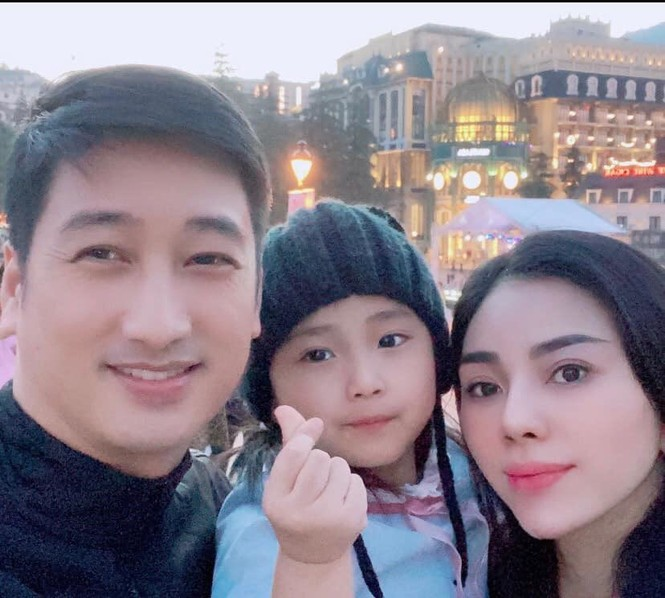 Hoài Linh kêu gọi được hơn 6 tỷ đồng cho bà con miền Trung; Tóc Tiên xuống phố cực ngầu - ảnh 4