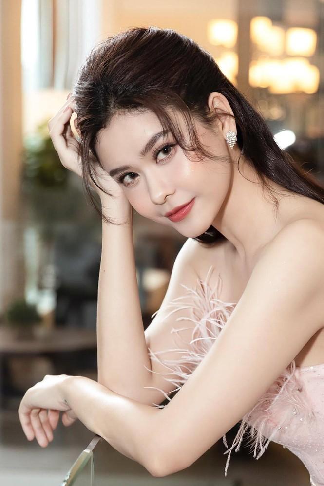 Minh Tú, Trương Quỳnh Anh thi nhau khoe ảnh thả thính cực chất - ảnh 1