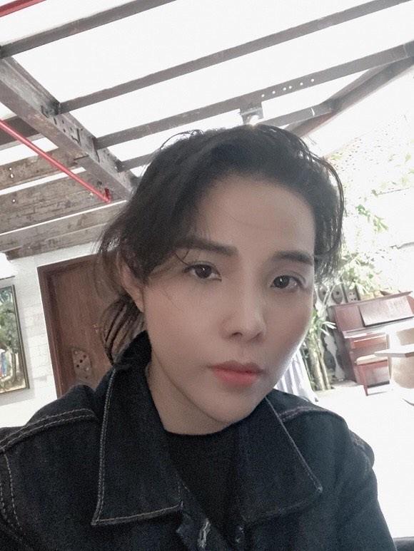Minh Tú, Trương Quỳnh Anh thi nhau khoe ảnh thả thính cực chất - ảnh 2