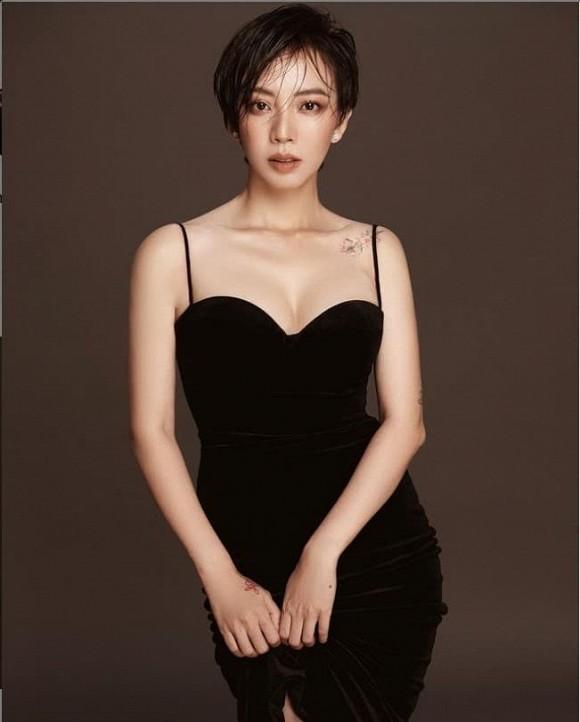 Thu Trang được fan khen trẻ như gái 18; Dế Choắt hỗ trợ bà con miền Trung sửa nhà - ảnh 5