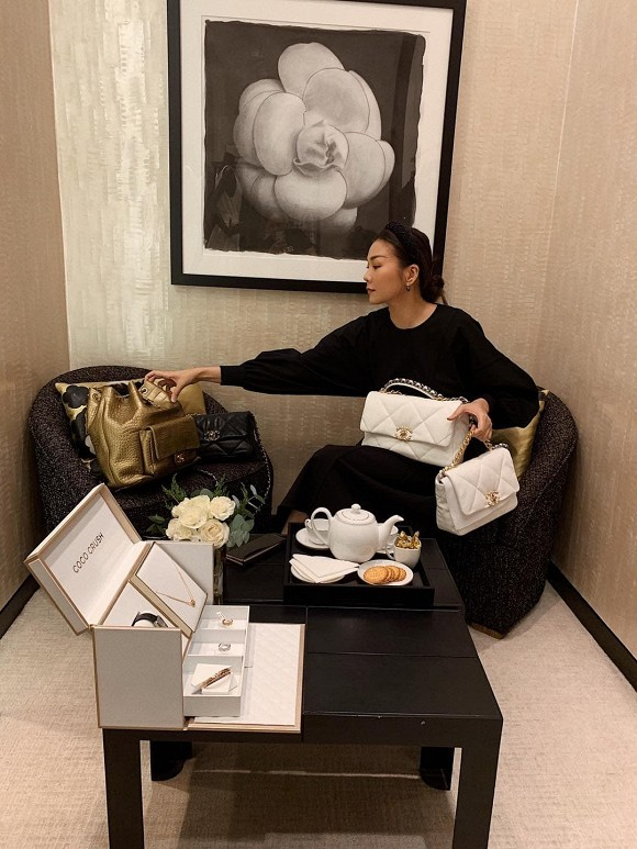 Sao Việt gửi lời chúc mừng tới thầy cô nhân ngày 20/11; Thúy Ngân đăng ảnh thả thính - ảnh 2