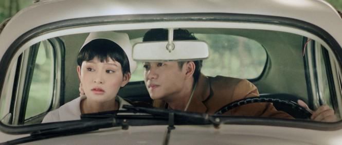 Hiền Hồ vào vai cô y tá trong cảnh quay lãng mạn, con trai Hồ Ngọc Hà bế em cực khéo - ảnh 8