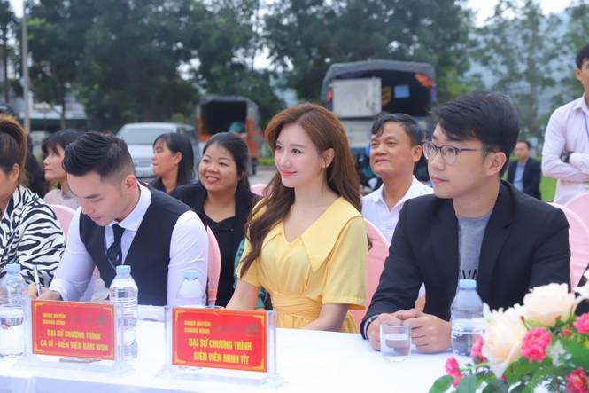 Hari Won, H'Hen Niê tuyên truyền chống tảo hôn tại Hà Giang - ảnh 2