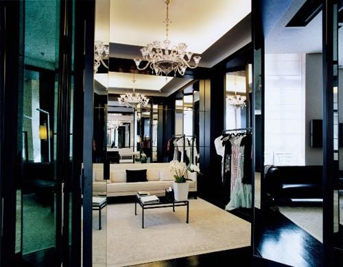 Vì sao trên thế giới chỉ có khoảng 4000 người phụ nữ sở hữu đồ Haute Couture?  - ảnh 9