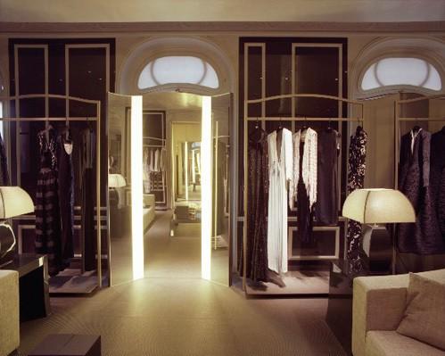 Vì sao trên thế giới chỉ có khoảng 4000 người phụ nữ sở hữu đồ Haute Couture?  - ảnh 10