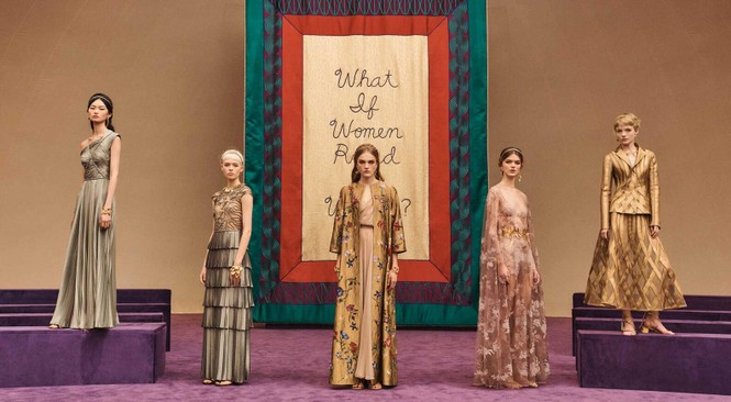 Vì sao trên thế giới chỉ có khoảng 4000 người phụ nữ sở hữu đồ Haute Couture?  - ảnh 1