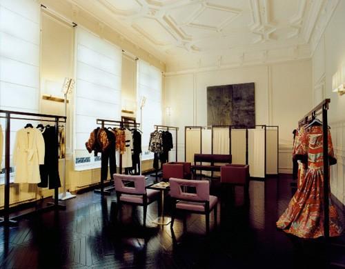 Vì sao trên thế giới chỉ có khoảng 4000 người phụ nữ sở hữu đồ Haute Couture?  - ảnh 12