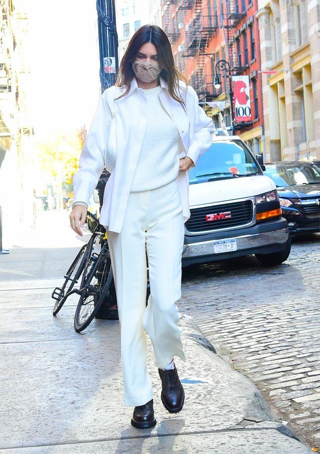 Ngắm outfit dạo phố cuối tuần của Kendall Jenner, biết luôn xu hướng nào sắp lên ngôi - ảnh 3