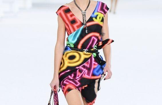 10 hot trend sắp tới được dự đoán từ bộ sưu tập SS21 của Chanel - ảnh 5