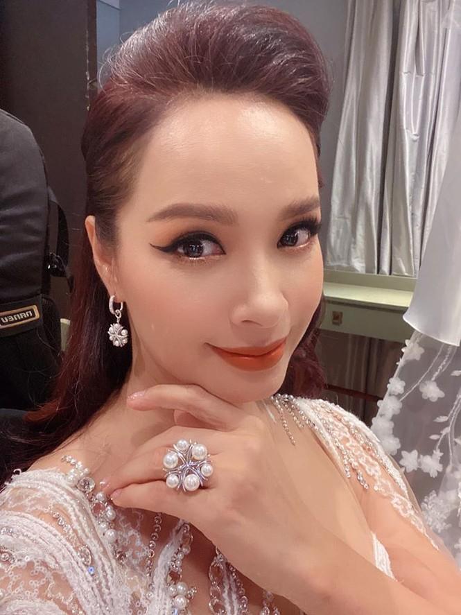 Thu Quỳnh bất ngờ trở lại với mái tóc thời 'My sói' gây 'bão' mạng xã hội - ảnh 3
