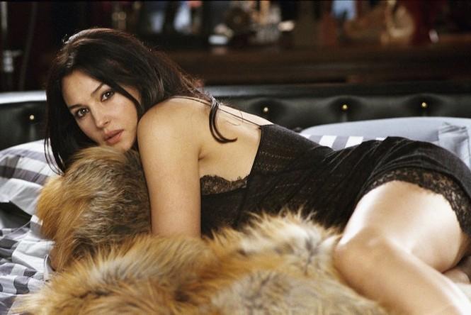 Chiêm ngưỡng biểu tượng sắc đẹp Monica Bellucci thời hoàng kim - ảnh 4