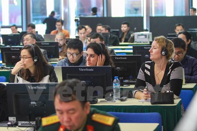 Cận cảnh Trung tâm báo chí cho 700 phóng viên đưa tin Đại hội Đảng XII - ảnh 5
