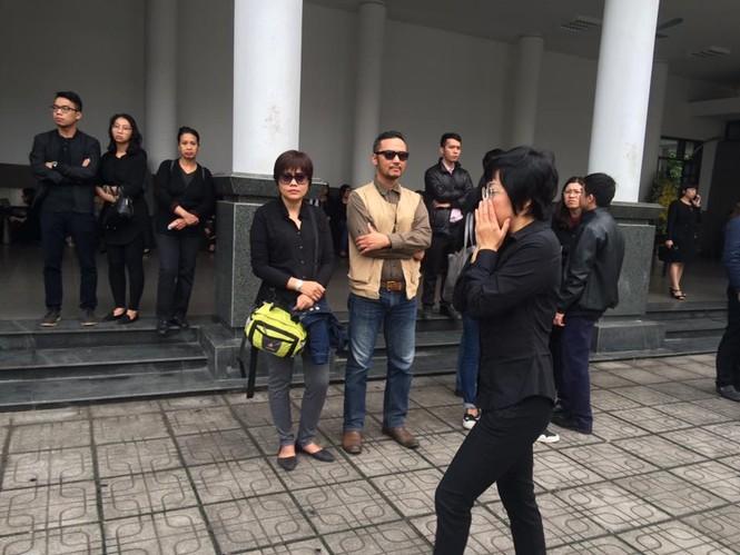 Ca sĩ Mỹ Dung, Minh Quân khóc như mưa ở đám tang Trần Lập - ảnh 9