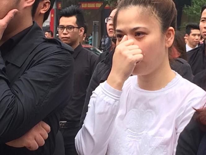 Ca sĩ Mỹ Dung, Minh Quân khóc như mưa ở đám tang Trần Lập - ảnh 1