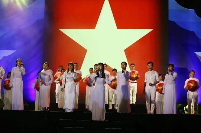 Trọng Hiếu, Đinh Hương 'cháy' cùng chương trình biển đảo - ảnh 6