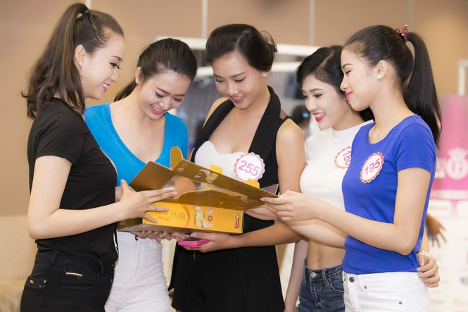 Bí quyết giữ sức khỏe của Top 30 Chung khảo phía Nam HHVN - ảnh 1
