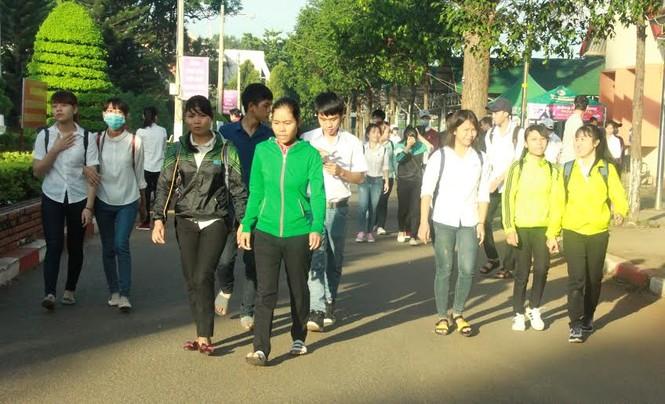 Đắk Lắk: 299 thí sinh vắng mặt buổi thi đầu tiên - ảnh 1