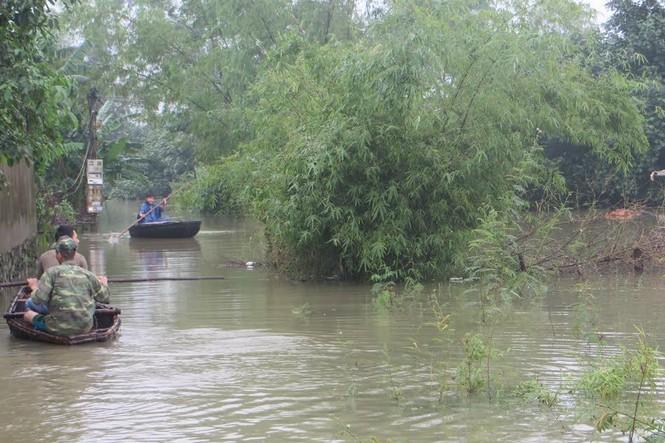 Nghệ An: Hơn 11.000 dân bị cô lập do nước sông Lam dâng cao - ảnh 2