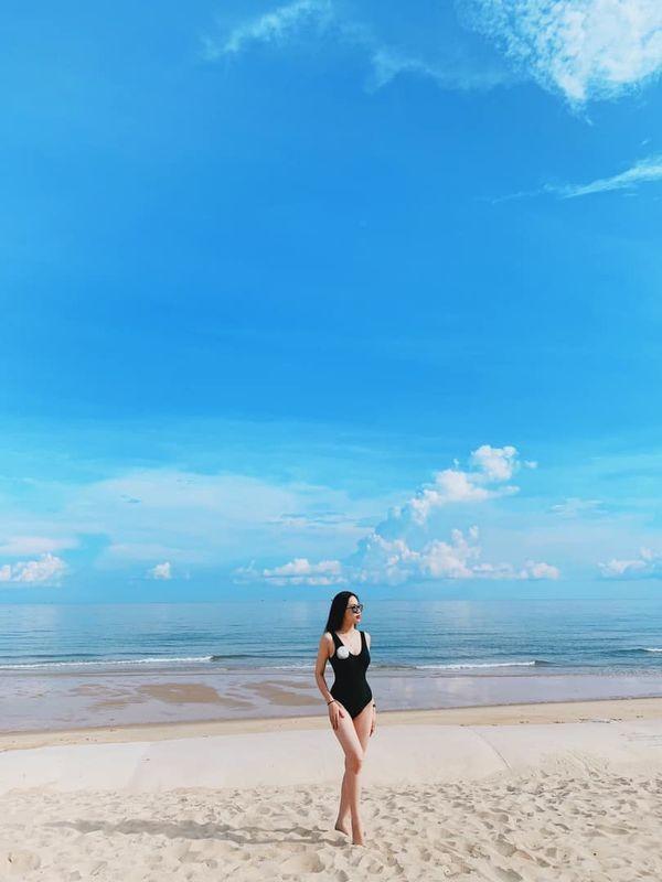 Hotgirl Sài thành bị đồn là bạn gái mới của Quang Hải diện bikini cực 'nóng' - ảnh 5