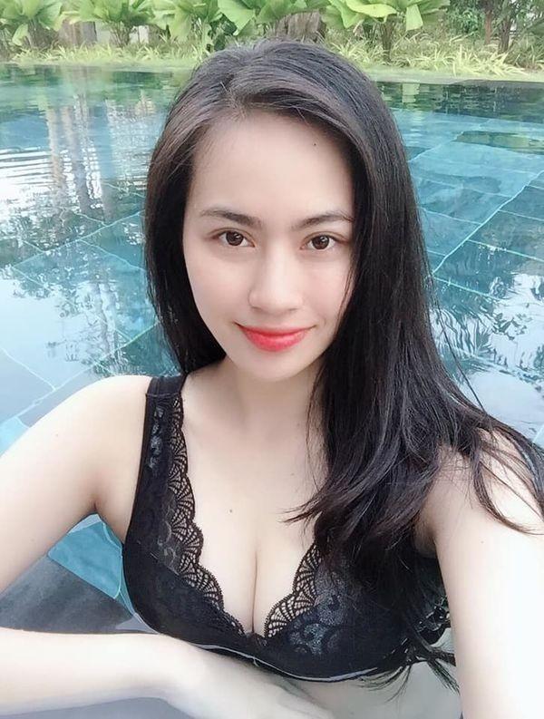 Hotgirl Sài thành bị đồn là bạn gái mới của Quang Hải diện bikini cực 'nóng' - ảnh 3