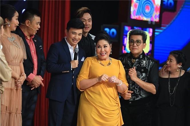 Showbiz 3/9: Vừa nhận danh hiệu NSND, Minh Hằng đã gặp nạn - ảnh 1