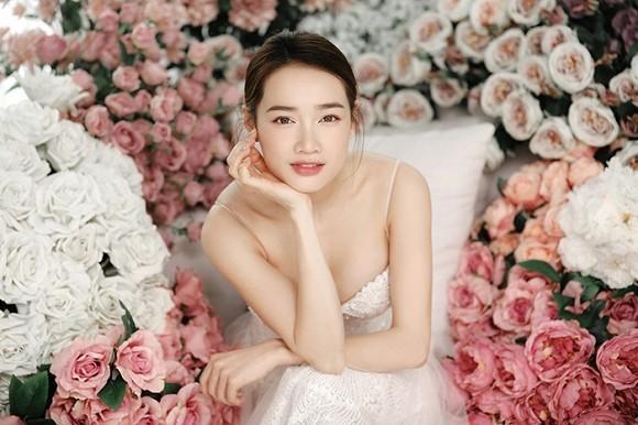 Sau 1 năm kết hôn với Trường Giang, Nhã Phương lại diện váy cưới - ảnh 1