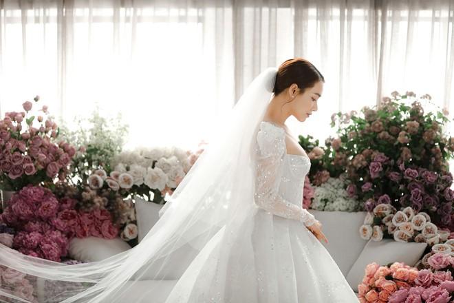 Sau 1 năm kết hôn với Trường Giang, Nhã Phương lại diện váy cưới - ảnh 9