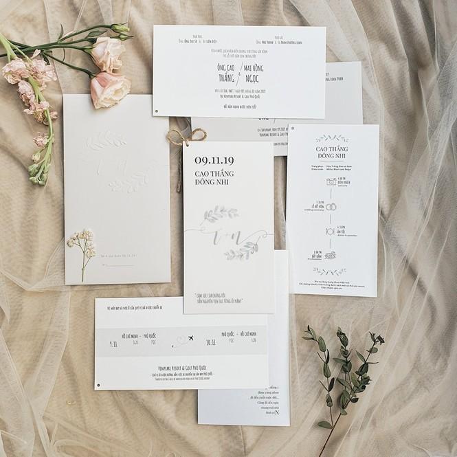 Vì sao Đông Nhi đặt vé máy bay cho 500 khách mời dự đám cưới? - ảnh 1