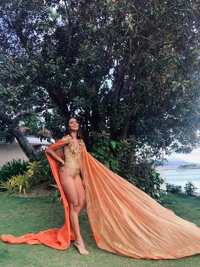 Ảnh bán nude nóng 'bỏng rẫy' khác lạ của Tân Hoa hậu Trái đất  - ảnh 5