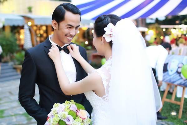 Vợ cố người mẫu Duy Nhân bật khóc vì bị chỉ trích 'cưới chạy bầu' - ảnh 2