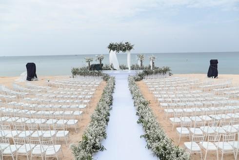 Cận cảnh không gian tiệc cưới 10 tỷ đồng trên bãi biển của Đông Nhi- Ông Cao Thắng - ảnh 4