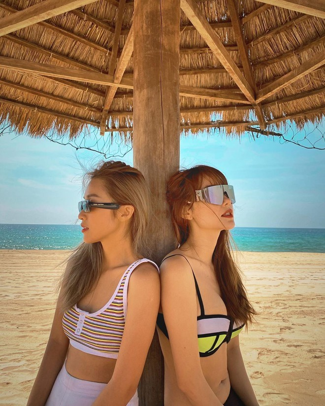 Minh Hằng diện bikini khoe ngực đầy nóng bỏng - ảnh 3