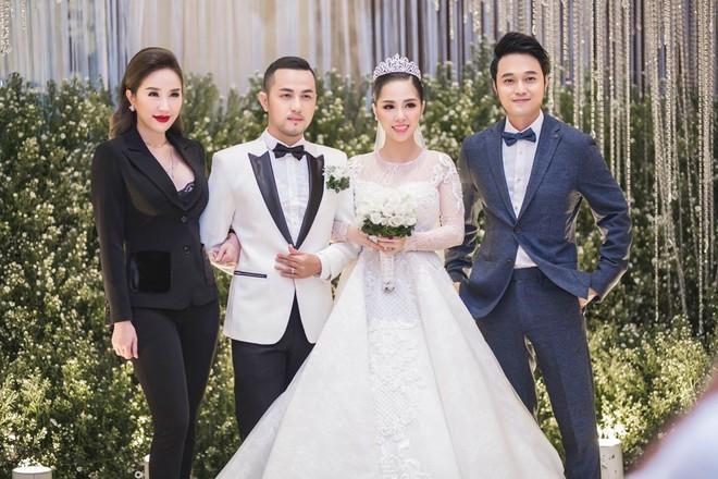 Lộ diện sao Việt đầu tiên được mời dự lễ cưới Bảo Thy  - ảnh 1