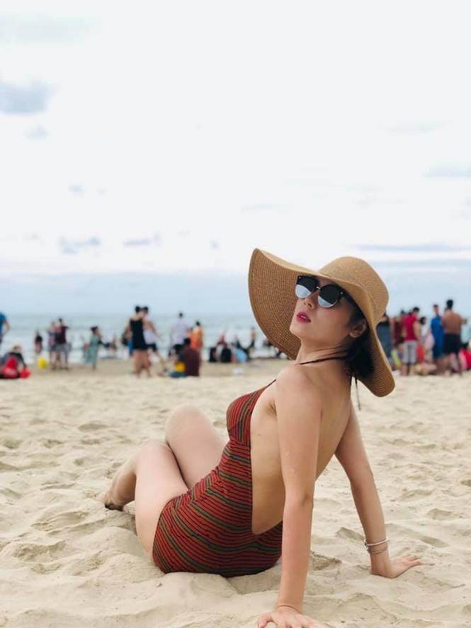 Loạt ảnh bikini nóng 'bỏng mắt' của ca sĩ Phương Linh - ảnh 2