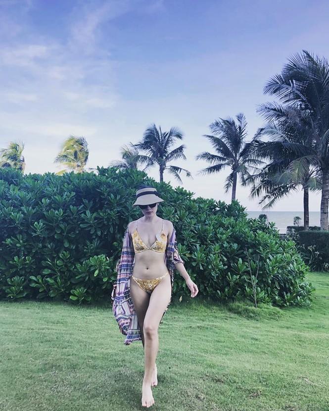 Loạt ảnh bikini nóng 'bỏng mắt' của ca sĩ Phương Linh - ảnh 9