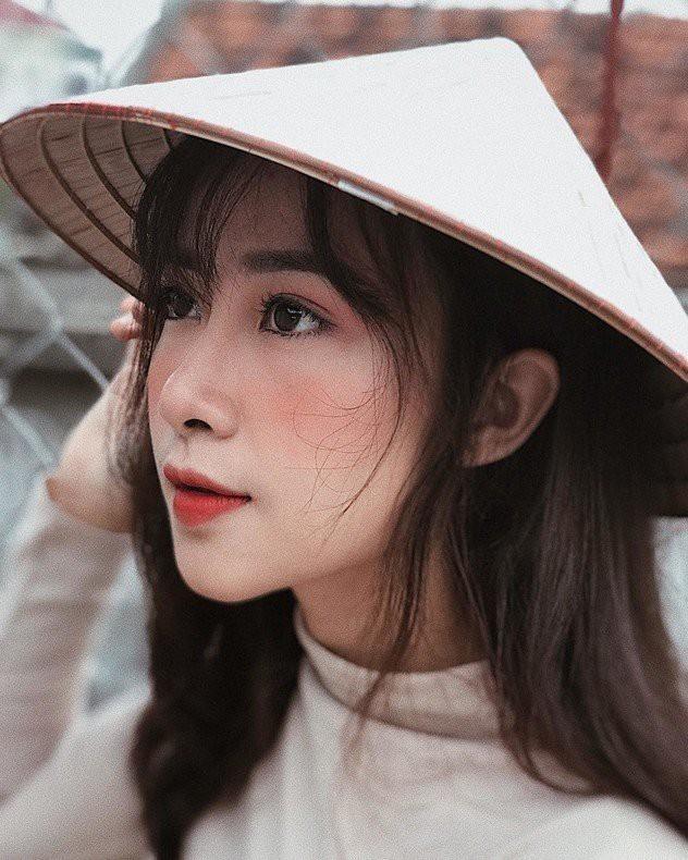 Điểm danh bạn gái các tuyển thủ Việt Nam làm giáo viên - ảnh 10