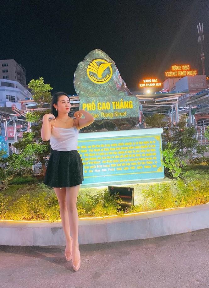 Điểm danh bạn gái các tuyển thủ Việt Nam làm giáo viên - ảnh 5