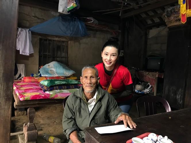 Hoa hậu Đỗ Mỹ Linh nghẹn ngào chia sẻ khi tận mắt chứng kiến những cảnh đau xót vùng lũ - ảnh 3