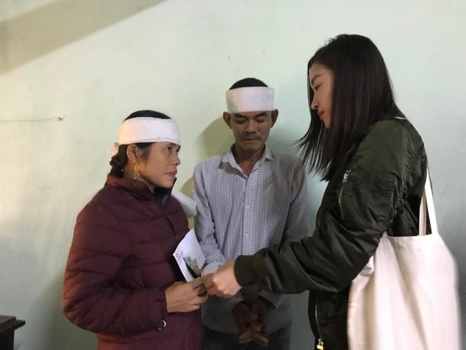 Hoa hậu Đỗ Mỹ Linh nghẹn ngào chia sẻ khi tận mắt chứng kiến những cảnh đau xót vùng lũ - ảnh 7