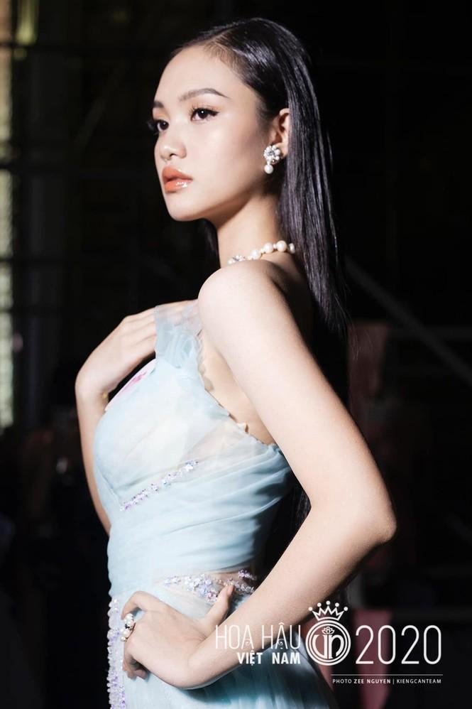 Hai cô gái xứ Thanh tuổi 19 vào Chung kết Hoa hậu Việt Nam 2020 - ảnh 9