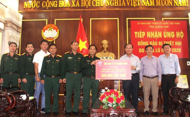 Chung tay ủng hộ đồng bào miền Trung vượt qua trận lũ lịch sử - ảnh 2