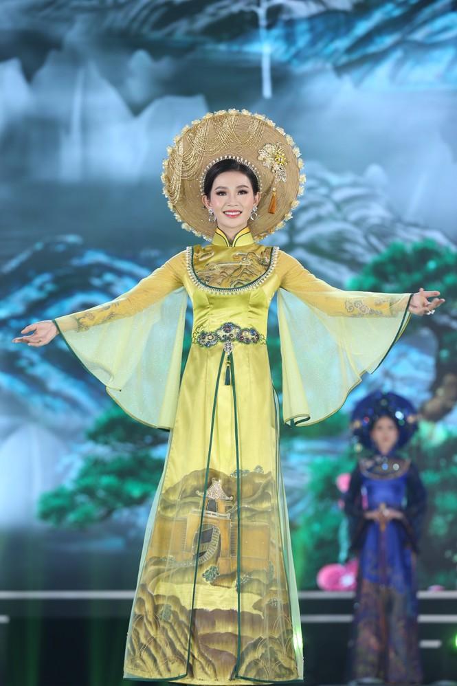 Top 35 khoe đường cong thể hình với áo dài tại Chung kết Hoa hậu Việt Nam 2020 - ảnh 14