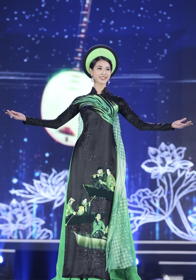 Top 35 khoe đường cong thể hình với áo dài tại Chung kết Hoa hậu Việt Nam 2020 - ảnh 9