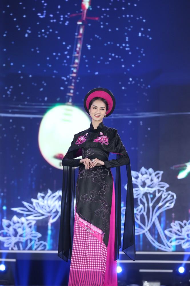 Top 35 khoe đường cong thể hình với áo dài tại Chung kết Hoa hậu Việt Nam 2020 - ảnh 10