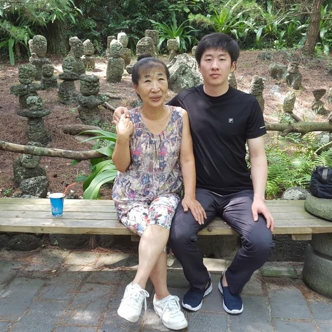 Showbiz 1/12: Vừa công khai yêu nhau, Huỳnh Anh đã gọi Lan Phương là 'vợ' - ảnh 5