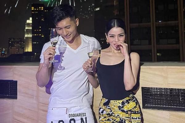Showbiz 1/1: Diva Hồng Nhung đăng ảnh bạn trai ngoại quốc bên hai con - ảnh 2