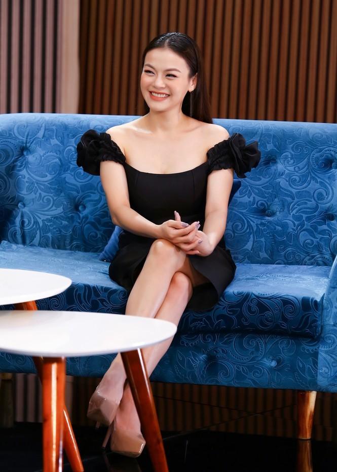 Showbiz 1/1: Diva Hồng Nhung đăng ảnh bạn trai ngoại quốc bên hai con - ảnh 5