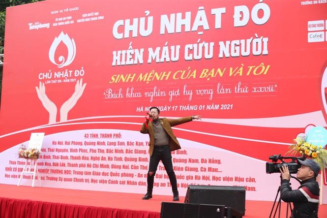 Nghệ sĩ Xuân Bắc cùng dàn sao 'đốt cháy' sân khấu Chủ nhật Đỏ - ảnh 12