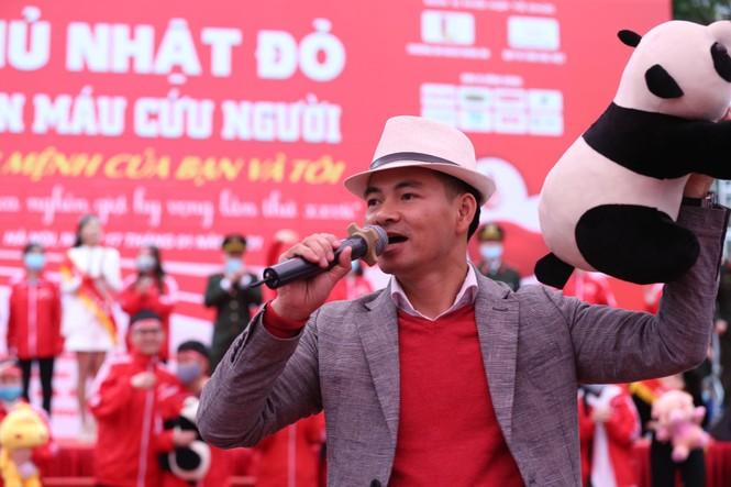 Nghệ sĩ Xuân Bắc cùng dàn sao 'đốt cháy' sân khấu Chủ nhật Đỏ - ảnh 5